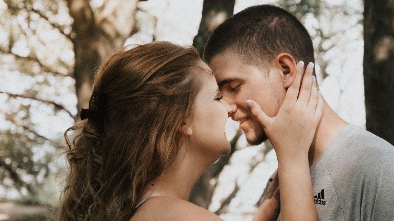 Kiss Day Hindi Sms