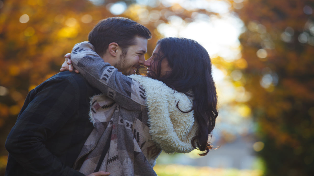 Kiss Day Sms In Hindi For Girlfriend