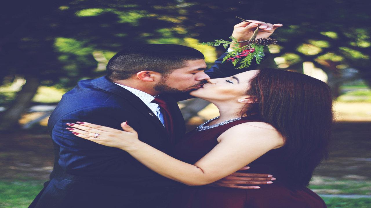 Kiss Day Image With Shayari