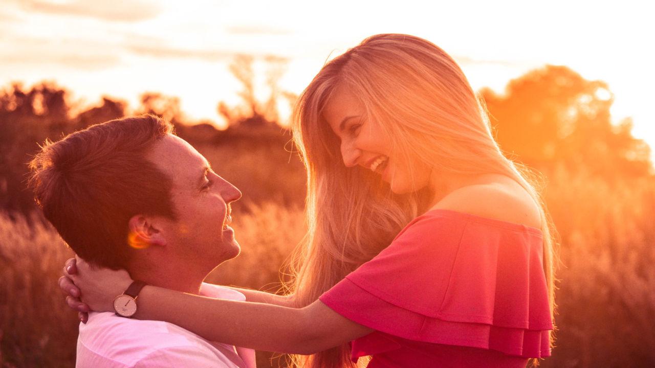 Happy Hug Day Romantic Images