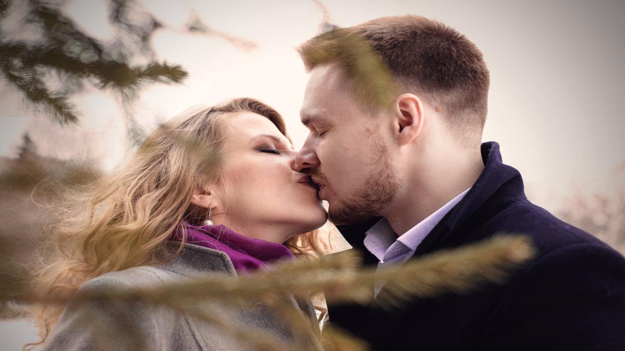 Happy Kiss Day Photos Hot